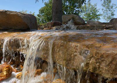cascade-pierre